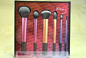 Real Techniques Sam's Picks Makeup Brush Set Review 4