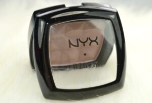 NYX Taupe Powder Blush | The Ultimate Contouring Powder for Pale Skin 3
