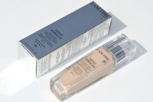 Lancome Teint Miracle Foundation Review / Swatches in 005 Beige Ivoire 3