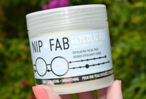 Nip + Fab Glycolic Fix Exfoliating Facial Pads Review 3