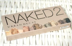 Urban Decay Naked 2 Eyeshadow Palette Review / Swatches 3