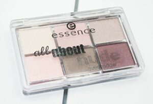 Essence All About Nude Eyeshadow Palette Review / Swatches 4