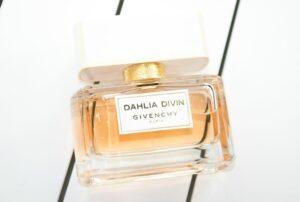 Givenchy Dahlia Divin Eau de Parfum Review + Giveaway 4