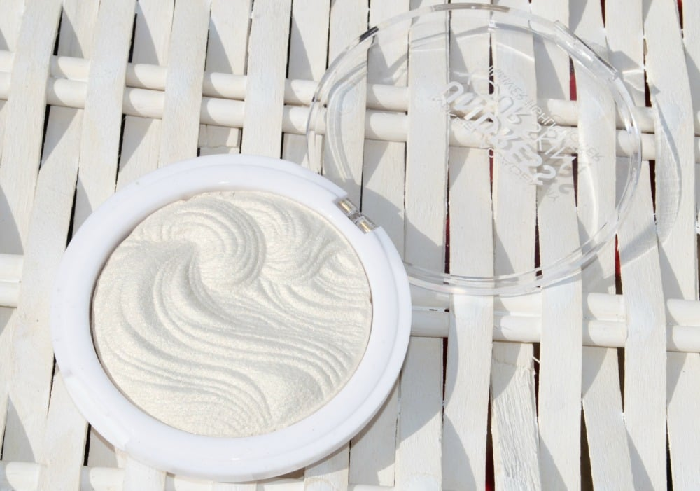 MUA 'Iridescent Gold' Undress Your Skin Highlighting Powder