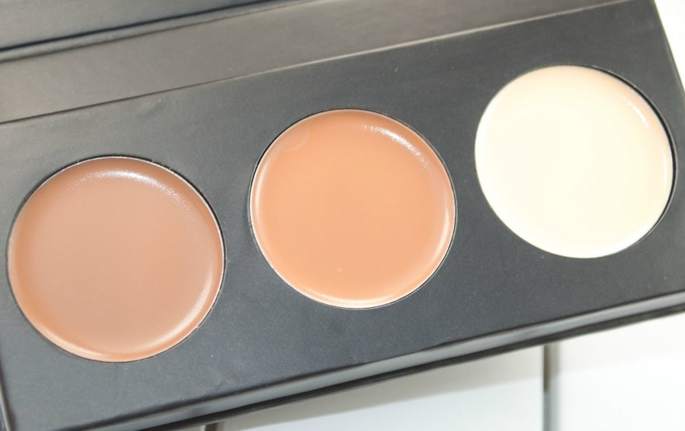 Close up image of the cream highlighter, bronzer and contour shades