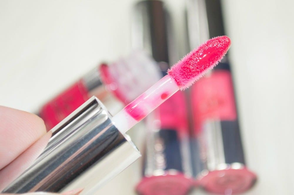Close up of the doefoot lip gloss applicator