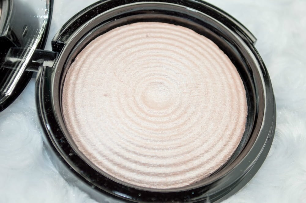 Makeup Revolution Radiant Light Illuminating Baked Powders