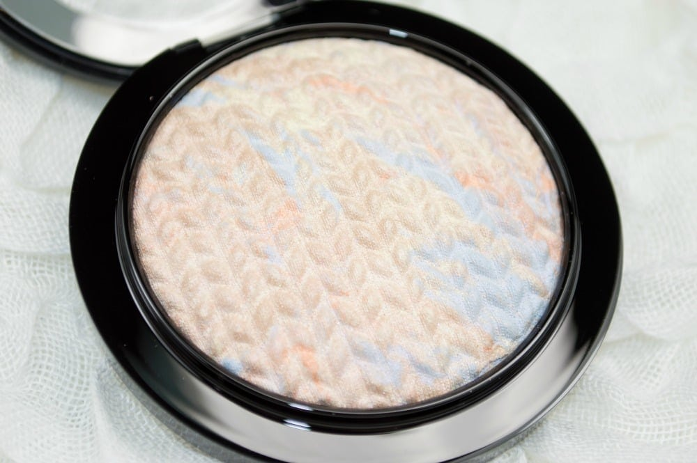 MAC Lightness of Being Lightscapade Mineralize Skinfinish Review and Swatch