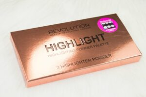 Makeup Revolution Highlight Highlighting Powder Palette Review / Swatches 3