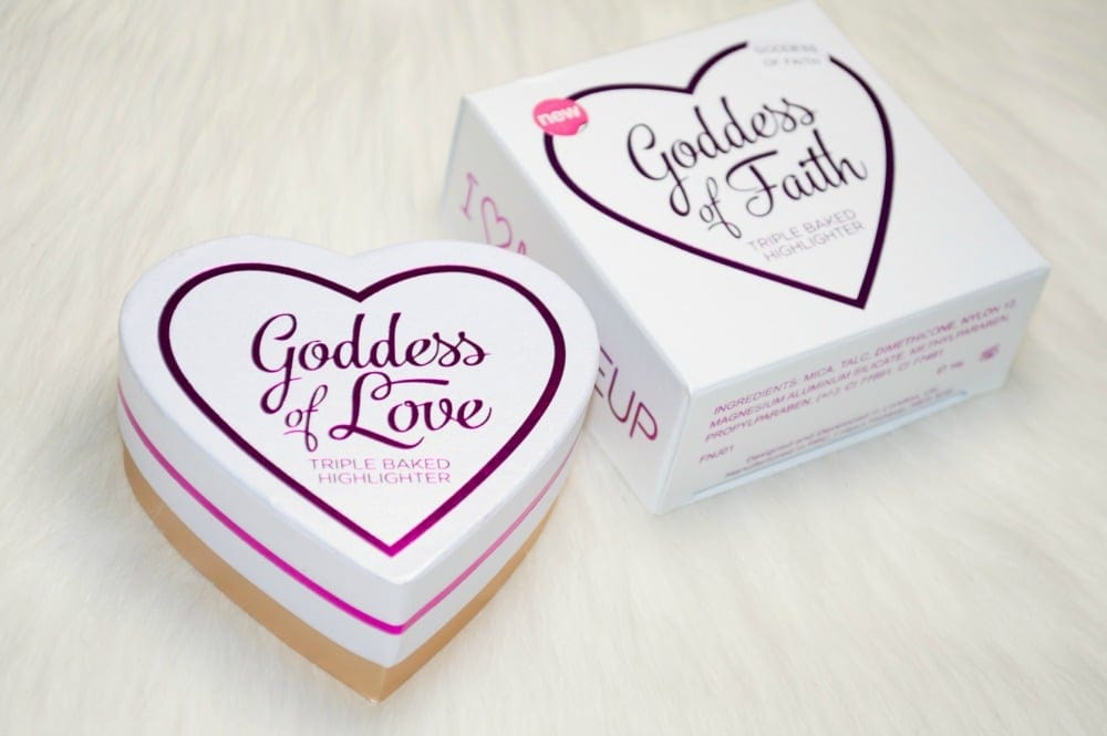 Makeup Revolution Blushing Hearts Goddess of Faith Triple Baked Highlighter