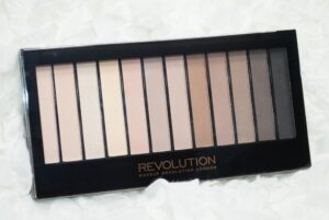 Makeup Revolution Iconic Elements Eyeshadow Palette Review / Swatches 3