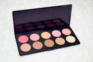 Neve Cosmetics Blushissimi Blush & Contour Palette Review and Swatches