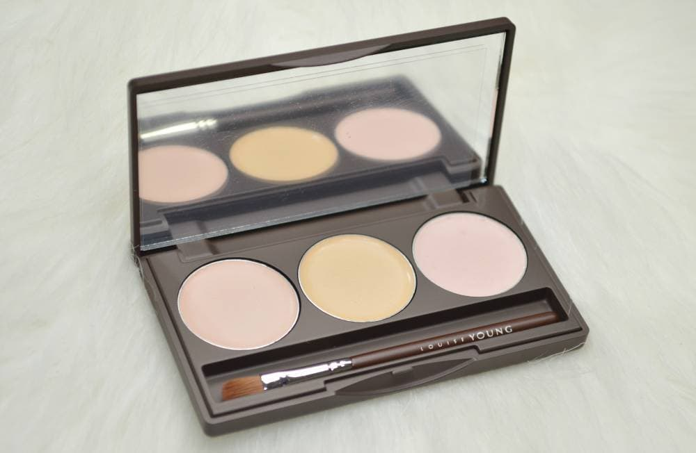 Louise Young Super Concealer Trio Review and Swatches