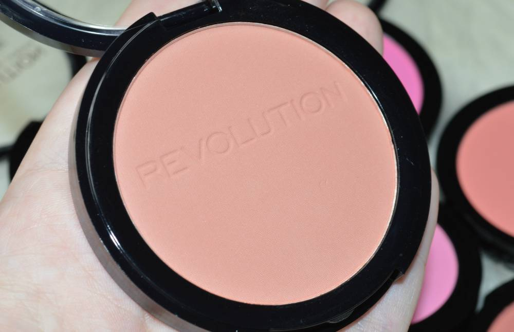 Makeup Revolution Matte Blusher Collection Review and Swatches (4)