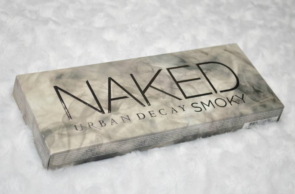 Urban Decay Naked Smoky Eyeshadow Palette Review and Swatches