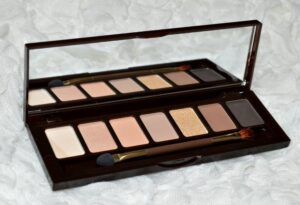 W7 Bronze Queen Eyeshadow Palette Review and Swatches