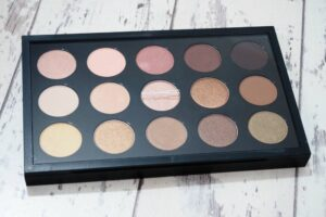 MAC Warm Neutral Eyeshadow Palette Review and Swatches