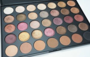 Morphe Brushes 35F Eyeshadow Palette Review and Swatches PLUS GIVEAWAY!