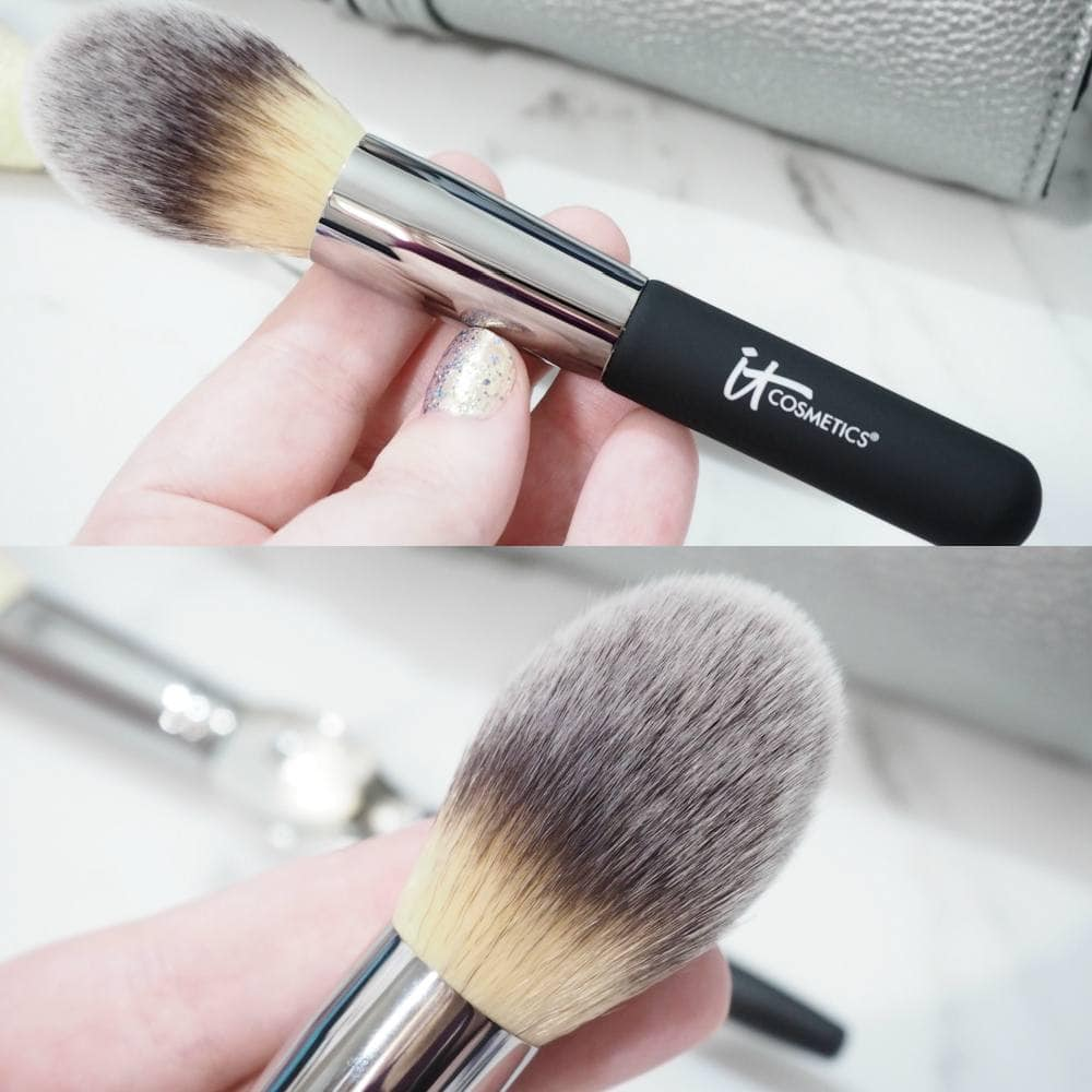 IT Cosmetics Holiday Brush Roll