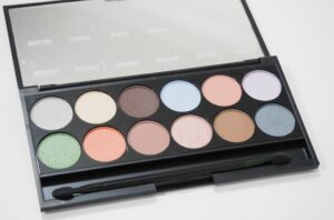 Sleek MakeUP Nordic Skies i-Divine Eyeshadow Palette