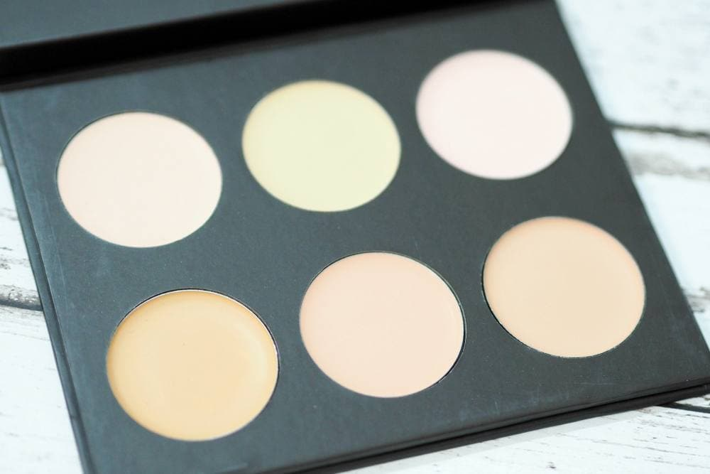 Louise Young Super Smooth Powder and Cream Foundation Palettes