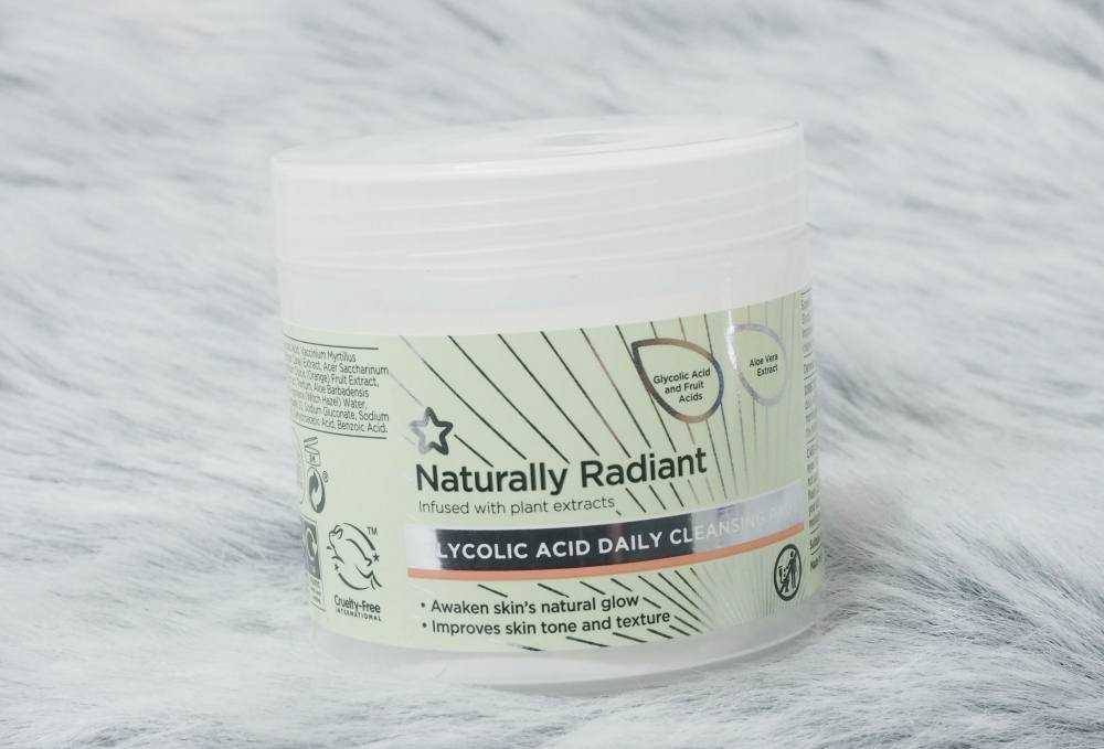 Superdrug Naturally Radiant Glycolic Acid Daily Cleansing Pads