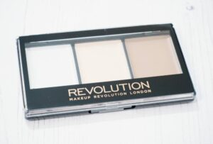 Makeup Revolution Ultra Lightening Contour Kit