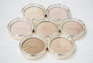 Milani Strobelight Instant Glow Powder Highlighters Review and Swatches