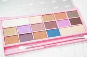 Makeup Revolution I Heart Makeup Unicorn Love Eyeshadow Palette