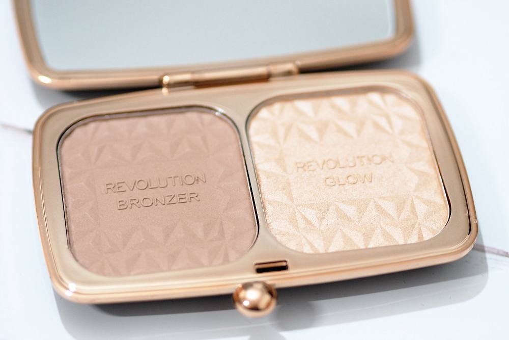 Makeup Revolution Renaissance Glow Bronzer and Highlighter Kit