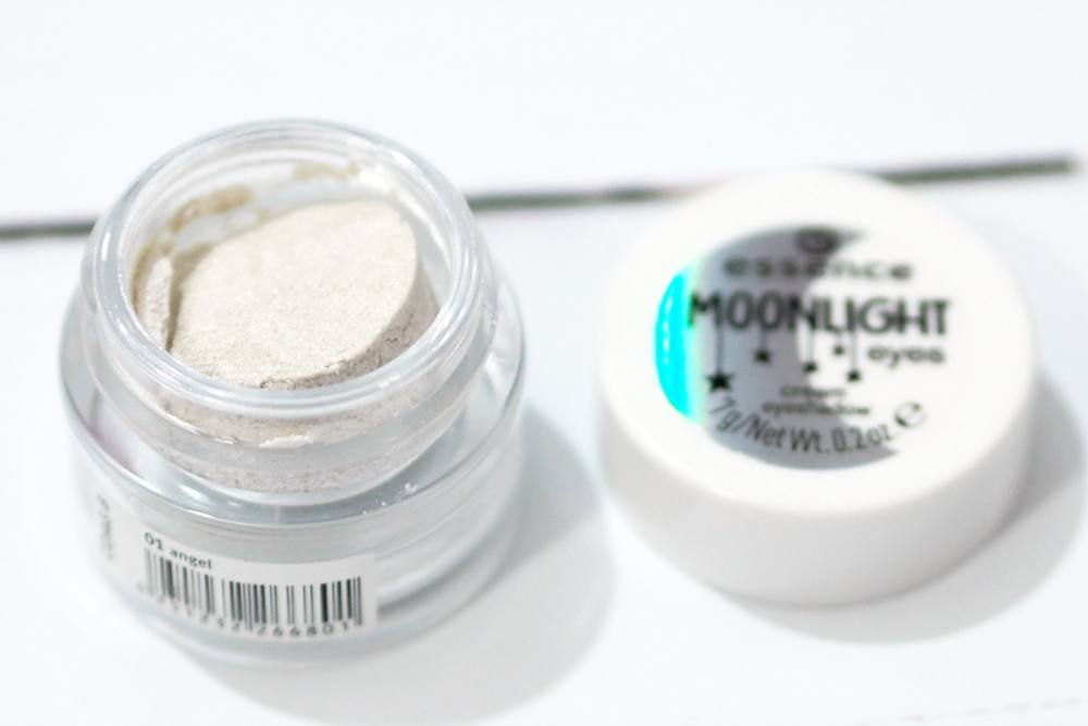 Essence Moonlight Eyes Cream Eyeshadow
