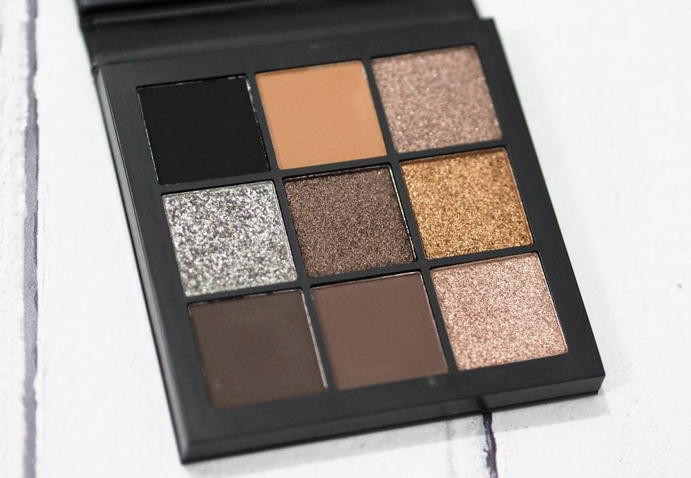 Huda Beauty Smokey Obsessions Eyeshadow Palette Review and Swatches