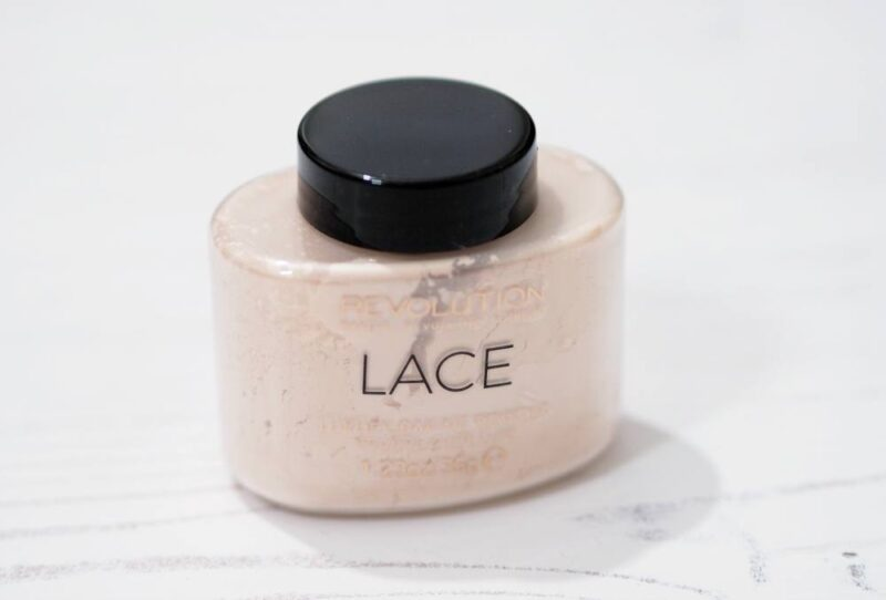Makeup Revolution Lace Luxury Baking Powder | #MakeupRevolutionWeek