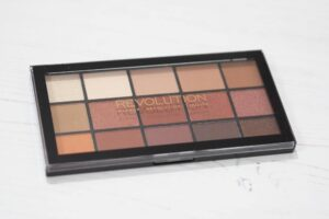 Makeup Revolution Reloaded Iconic Fever Eyeshadow Palette - Review and Swatches