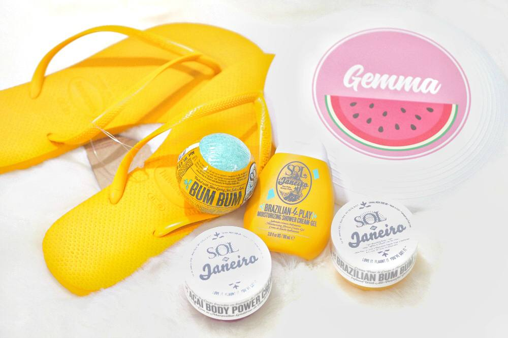 Sol de Janeiro Travel Friendly Collection - Bum Bum Cream, 4 Play Shower Cream, Bum Bum Bath Bomba, Acai Body Power Cream