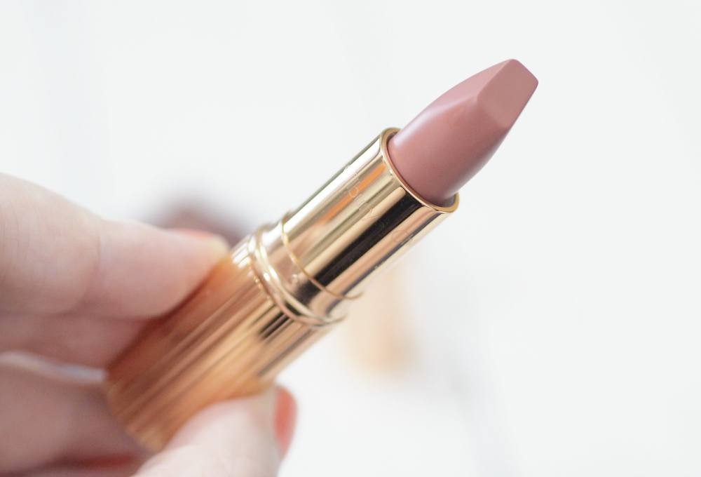 Cult Beauty Brand of the Month - Charlotte Tilbury ft. Collagen Lip Bath, Nude Kate and Pillow Talk Lipsticks with swatches