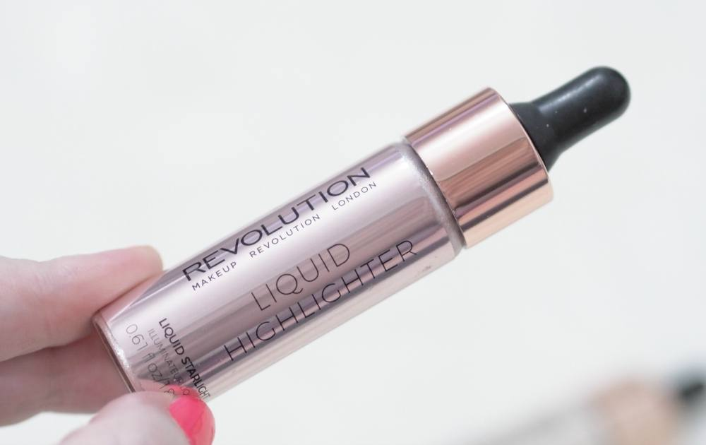 Review and Swatches of the Makeup Revolution Liquid Highlighters in the shades Liquid Luminous Luna and Liquid Starlight