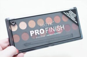 Technic Molten Lava Pro Finish Eyeshadow Palette Review and Swatches