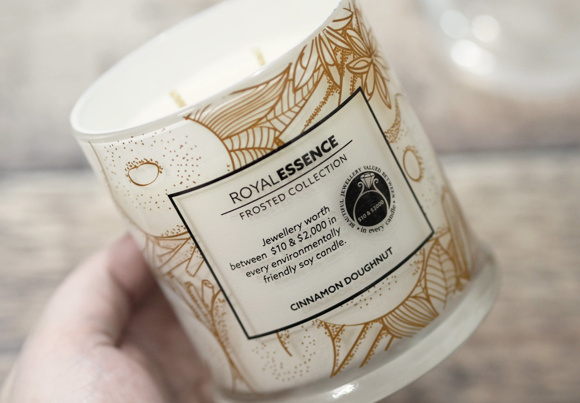 Royal Essence Cinnamon Doughnut Jewellery Candle PLUS GIVEAWAY!