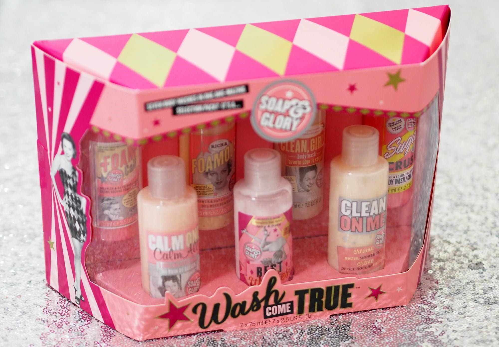 The Soap and Glory Christmas Collection 2018 as part of my Christmas Gift Guide ft. Wash Come True, Glammed Total and Merry Kiss Much