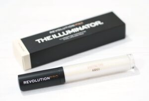 Revolution Pro The Illuminator Review and Swatches in Distinctive