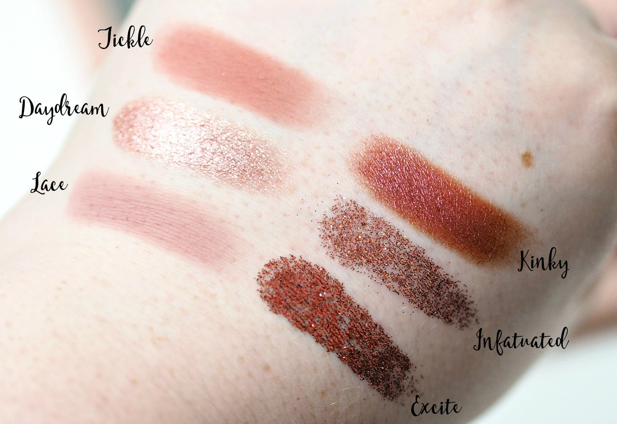Huda Beauty The New Nude Eyeshadow Palette Review + Swatches