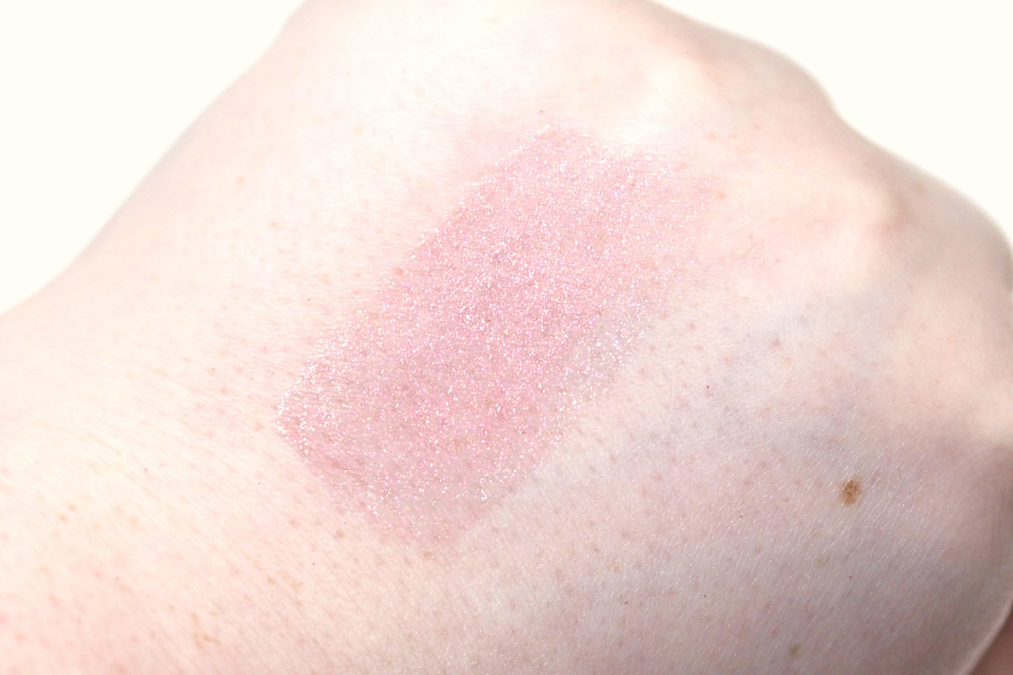 Huda Beauty Lip Strobe Lip Gloss in Snobby Review Swatch