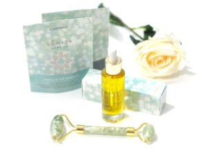Lumity Natural Anti-Ageing Facial Oil, Jade Roller + Day & Night Nutritional Supplements Review