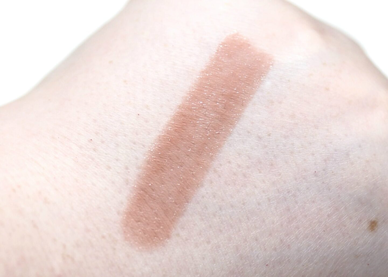 L'Oreal Color Riche Shine Lipstick in MLBB 642 Review Swatches