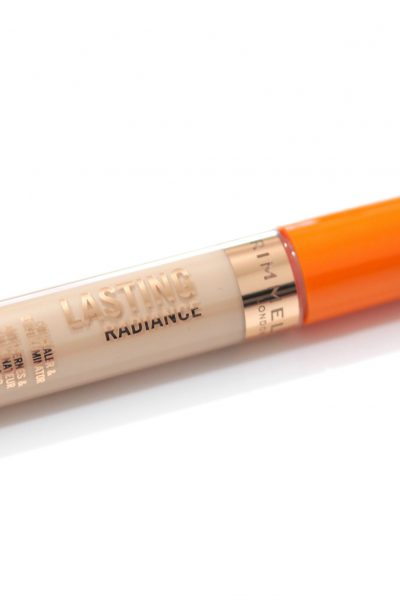 Rimmel Lasting Radiance Concealer & Eye Illuminator Review and Swatches in shade 010 Ivory