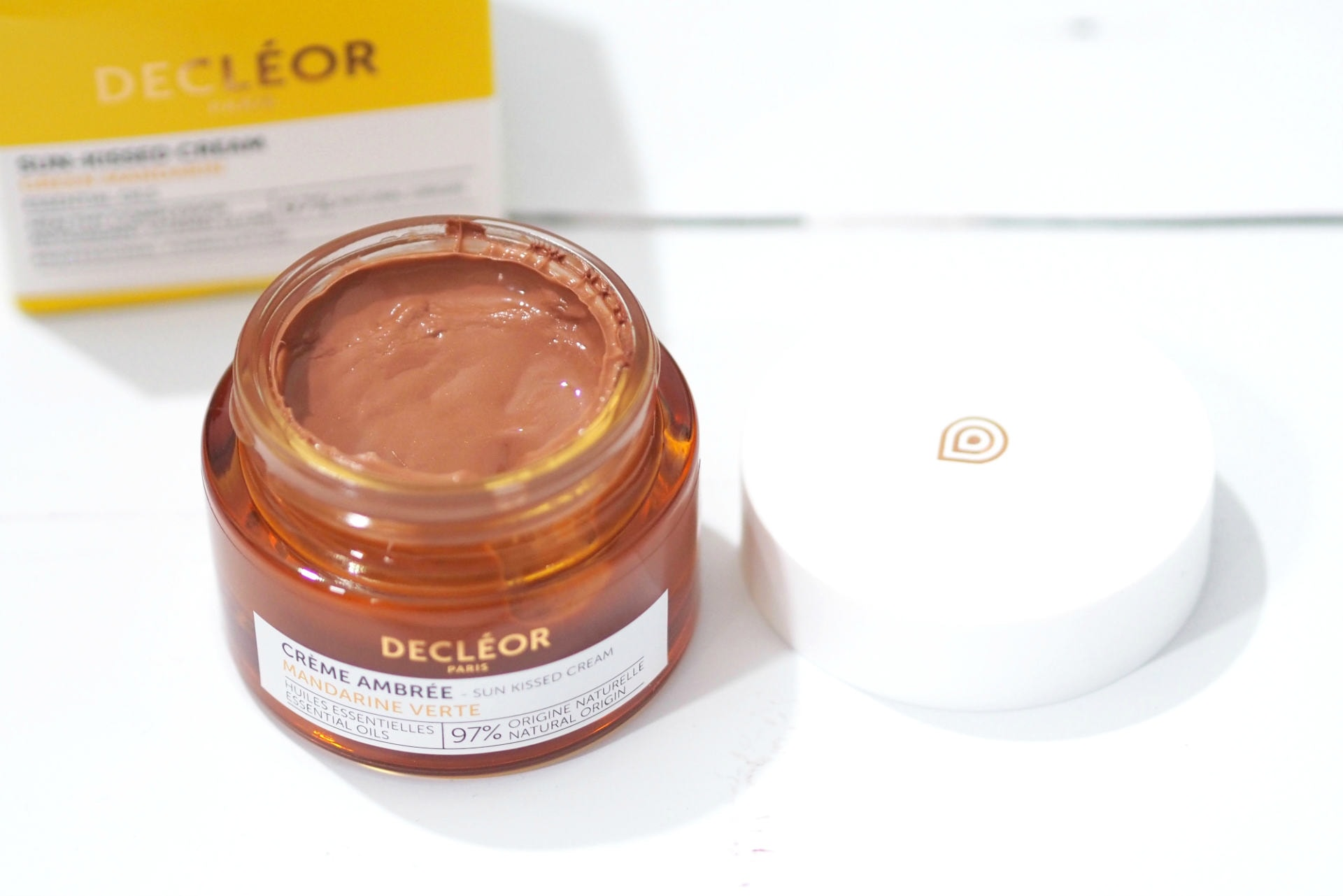 Decléor Green Mandarin Sun-Kissed Glow Cream Review and Swatches