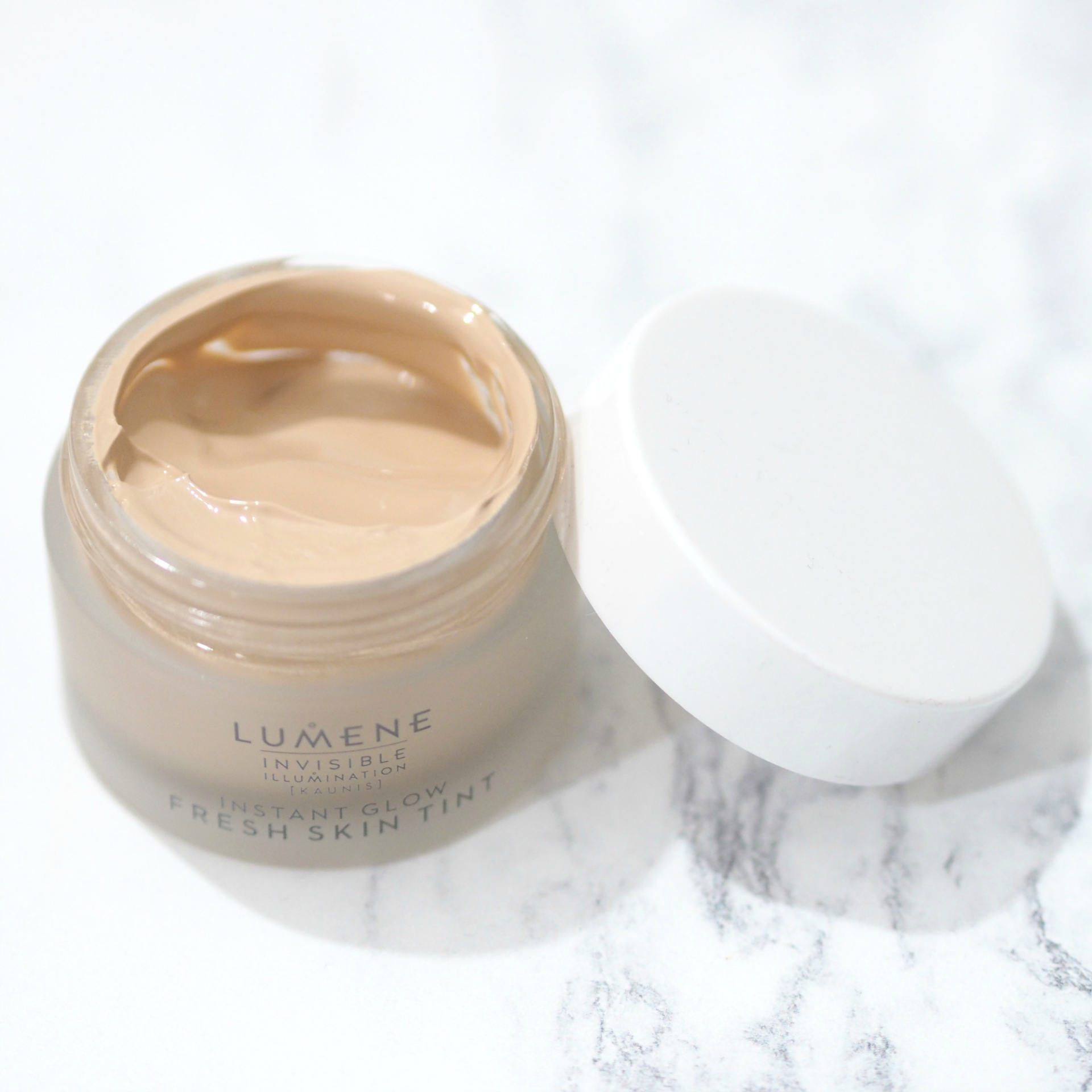 Lumene Invisible Illumination Instant Glow Fresh Skin Tint in Universal Medium Review and Swatches