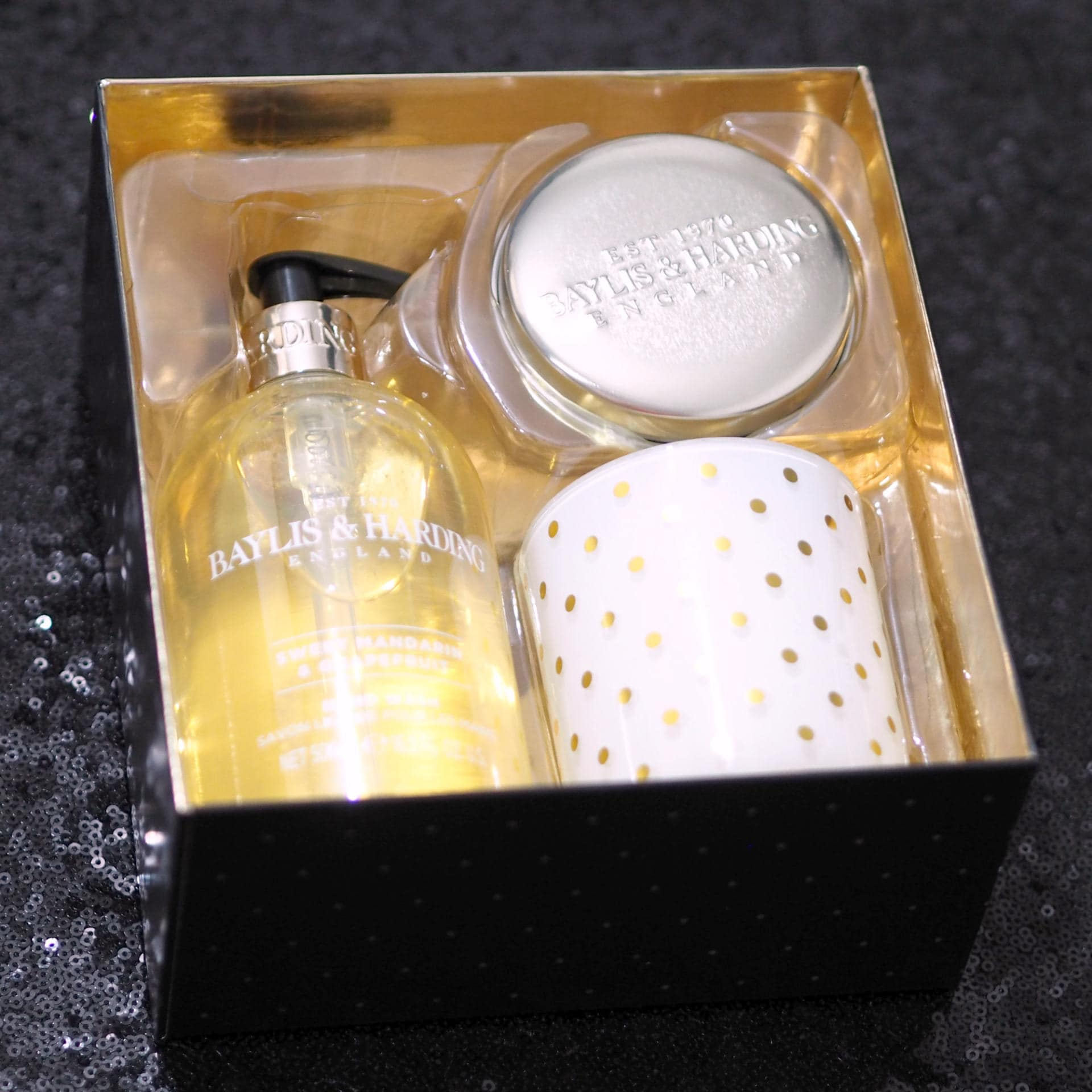 Baylis & Harding Sweet Mandarin & Grapefruit Luxury Home Gift Set