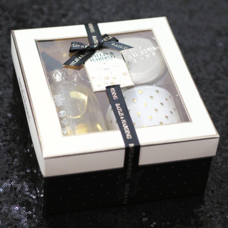 Baylis & Harding Sweet Mandarin & Grapefruit Luxury Home Gift Set